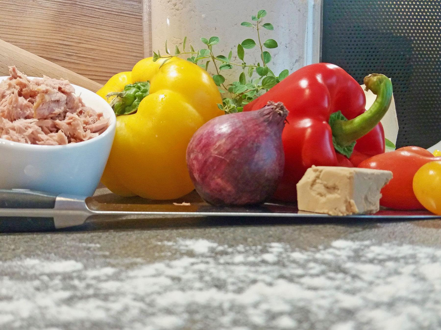 Zutaten für Thunfischpizza